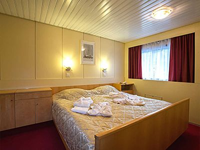 Georgy Chicherin 3* ship, Suite